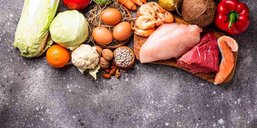 paleo vs keto, hlavní rozdíl je, že paleo dovoluje sacharidy, jako třeba ovoce